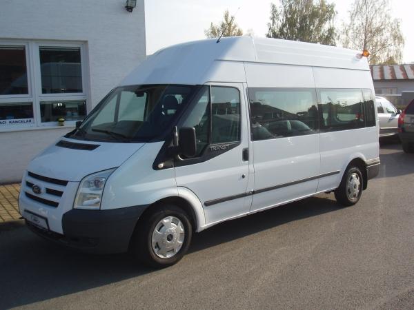 Ford Transit minibus 300LWB 2,2TDCi 110PS L3H3 9 míst Trend Klimatizace - Prodáno