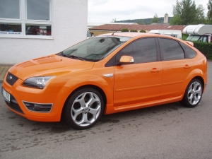 "Ford Focus ST 2,5L Benzín 225PS 5 dveřový sedan Klima automatická 18"" kola - vyrobeno 24.03.2006"