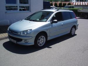 Peugeot 206SW Kombi 1,1i 60PS Alu Kola Klimatizace Letní+Zimní kola Původ ČR - první registrace 11/2005